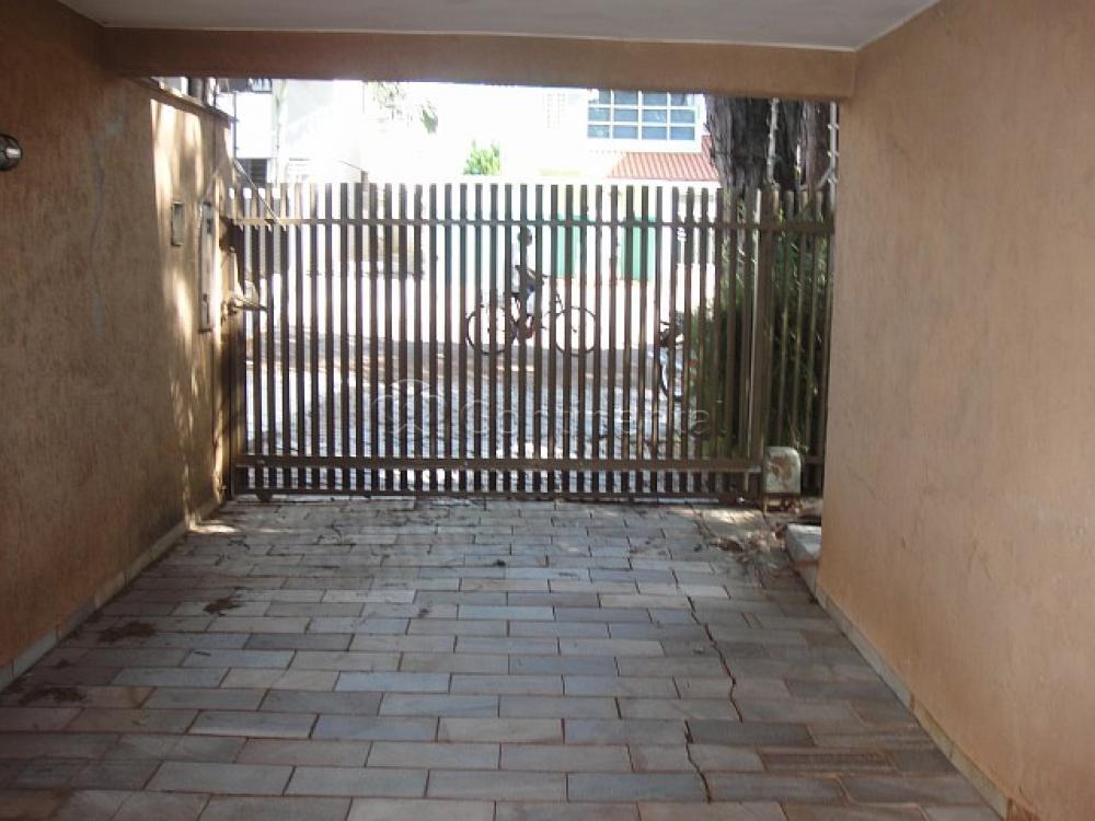 Alugar Casa / Padrão em Dourados R$ 3.900,00 - Foto 4