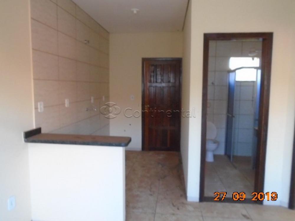 Alugar Apartamento / Padrão em Dourados R$ 750,00 - Foto 4