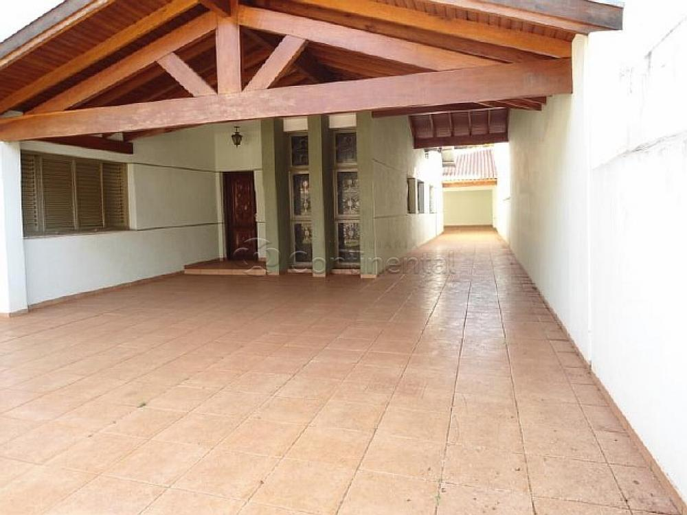 Alugar Casa / Padrão em Dourados R$ 3.000,00 - Foto 2