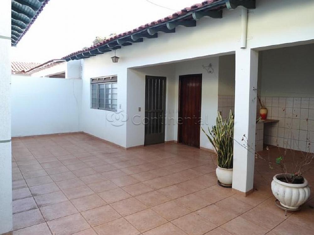 Alugar Casa / Padrão em Dourados R$ 3.000,00 - Foto 6