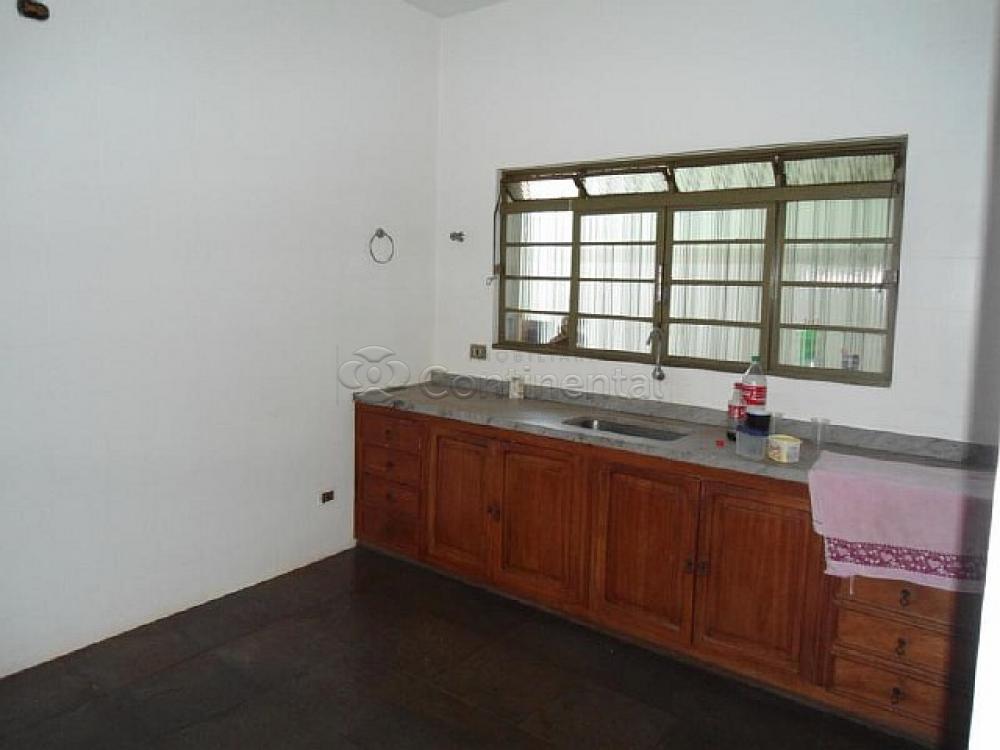 Alugar Casa / Padrão em Dourados R$ 3.000,00 - Foto 10