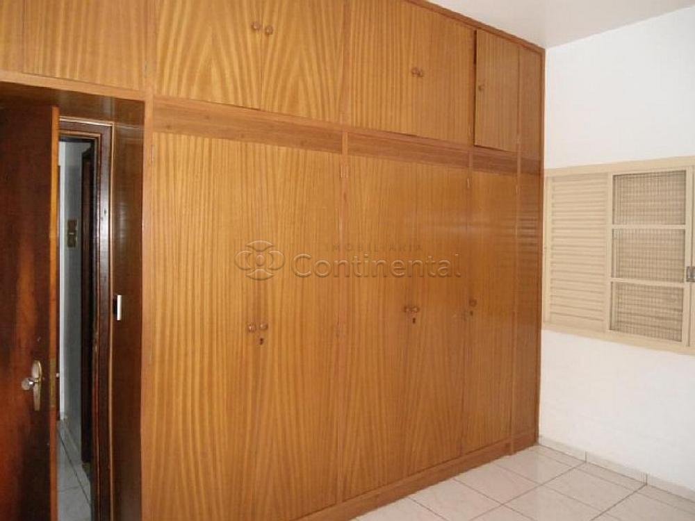 Alugar Casa / Padrão em Dourados R$ 3.000,00 - Foto 12