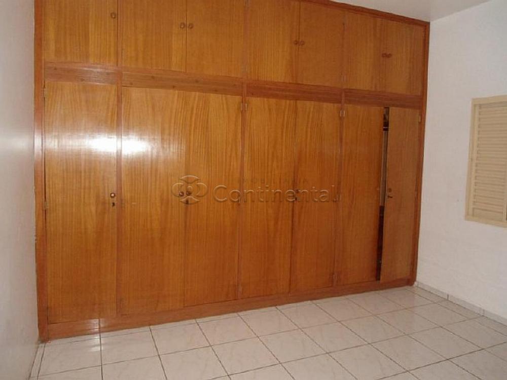 Alugar Casa / Padrão em Dourados R$ 3.000,00 - Foto 14
