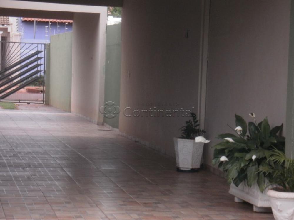 Comprar Casa / Padrão em Dourados R$ 500.000,00 - Foto 3