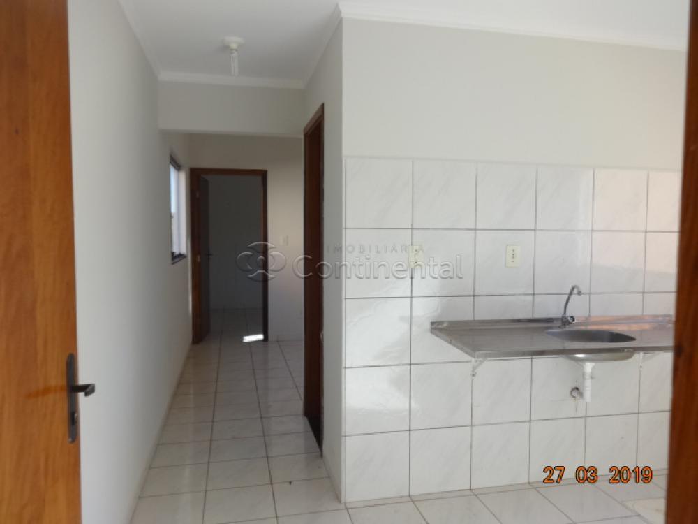 Alugar Apartamento / Padrão em Dourados R$ 650,00 - Foto 3