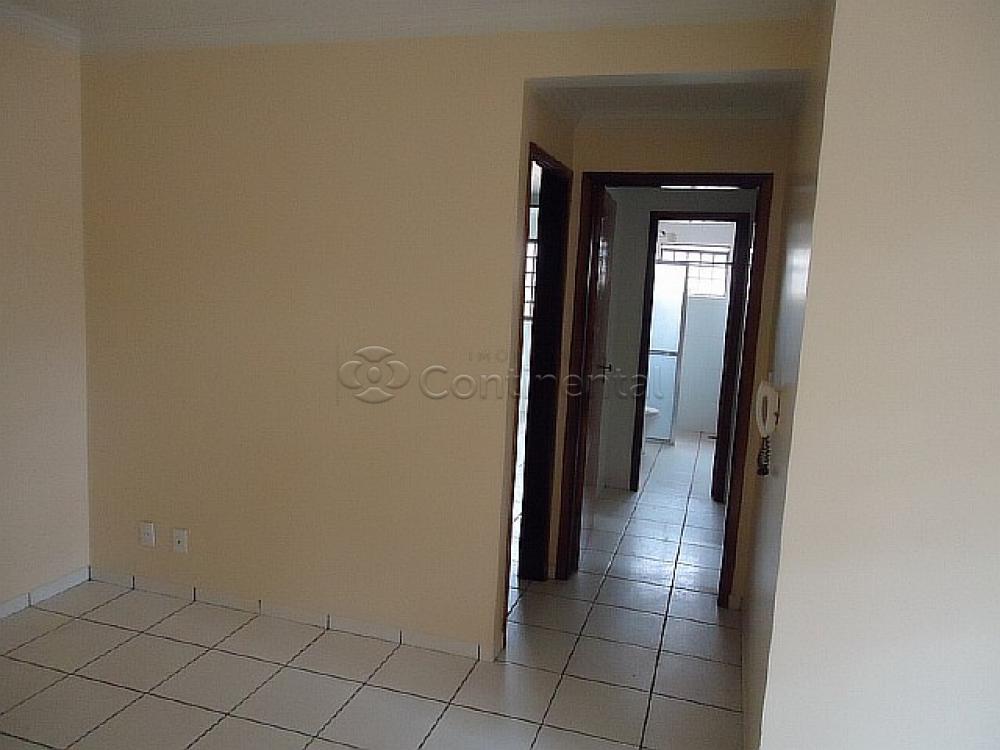 Alugar Apartamento / Padrão em Dourados R$ 1.200,00 - Foto 4