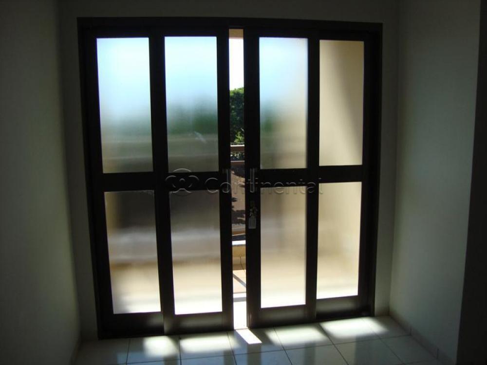 Alugar Apartamento / Padrão em Dourados R$ 1.100,00 - Foto 4