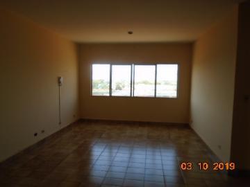 Alugar Apartamento / Padrão em Dourados R$ 700,00 - Foto 4