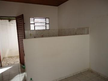 Alugar Apartamento / Kitinete em Dourados R$ 500,00 - Foto 3
