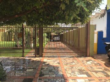 Alugar Casa / Padrão em Dourados. apenas R$ 480.000,00