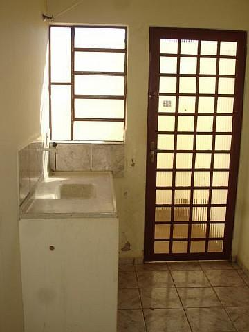 Alugar Apartamento / Kitinete em Dourados R$ 660,00 - Foto 6
