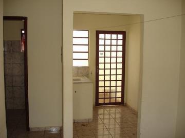 Alugar Apartamento / Kitinete em Dourados R$ 660,00 - Foto 7