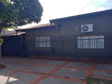 Alugar Casa / Padrão em Dourados. apenas R$ 3.500,00