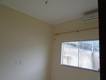 Alugar Apartamento / Kitinete em Dourados R$ 600,00 - Foto 8